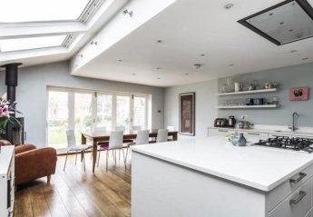 Villa in Chiswick Homefields, London
