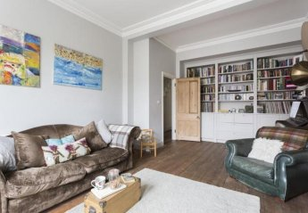 Villa in Dalgarno, London