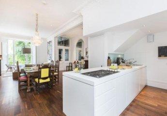 Villa in Westbourne, London