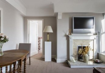 Villa in Turnham Green, London