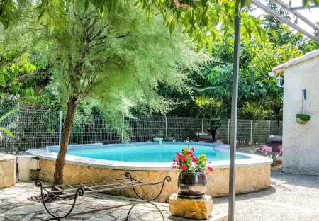 Apartment in Roquefort-la-Bédoule, the South of France