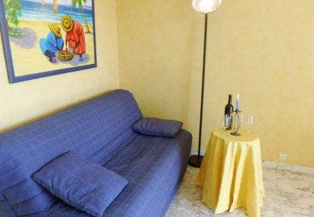 Apartment in Carqueiranne, the South of France