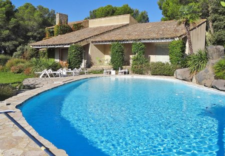 House in Saumane-de-Vaucluse, the South of France