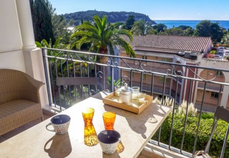 Apartment in Mont Leuze, the South of France