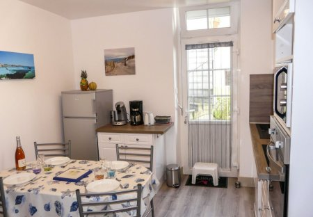 Apartment in Parame Centre-Rochebonne, France