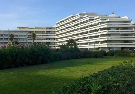 Apartment in Plage Sud, the South of France