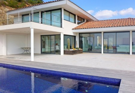 House in La Londe-les-Maures, the South of France