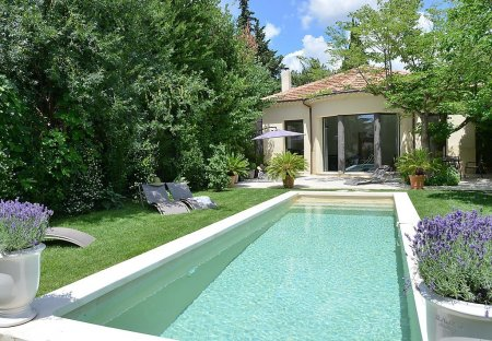 House in Couronne Est, the South of France