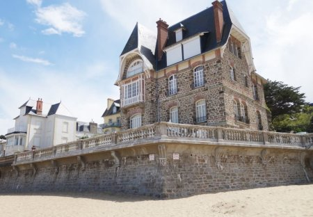 Apartment in Port Blanc-St Enogat La Malouine, France