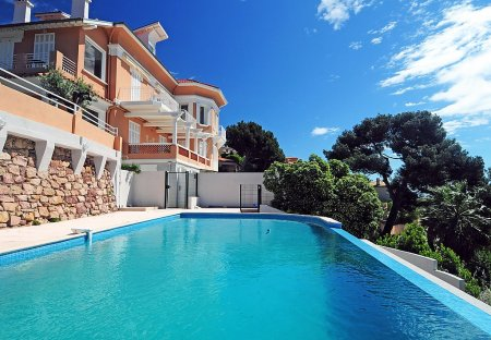 Apartment in Hyères, the South of France