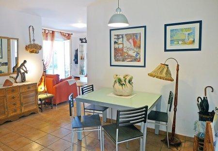 Apartment in Moleres-Sopite, France