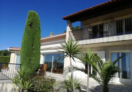 House in Roquebrune-sur-Argens, the South of France