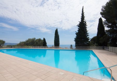 Apartment in Abbaye de Roseland, the South of France