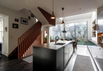Villa in Barnsbury, London