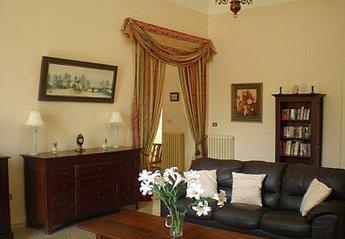 Apartment in Italy, Villamagna: spacious lounge