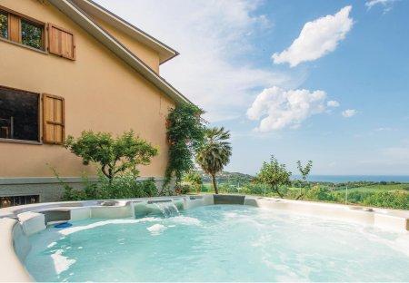 Villa in Fano, Italy