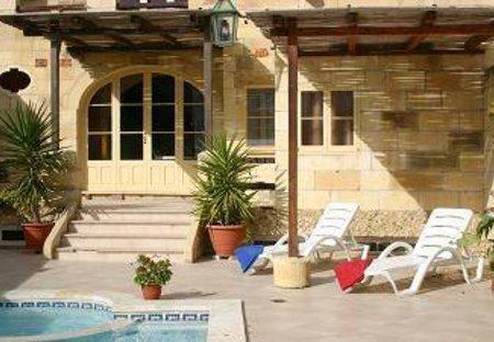 Villa in Santa Lucija, Malta: deck area (part of)