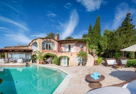 Villa in Pantogia, Sardinia