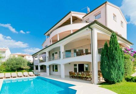 Villa in Pula, Croatia