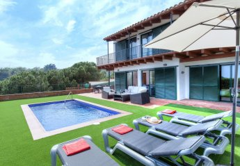 Villa in els Pinars, Spain