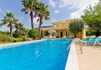 Villa in Alfarrobeira, Algarve