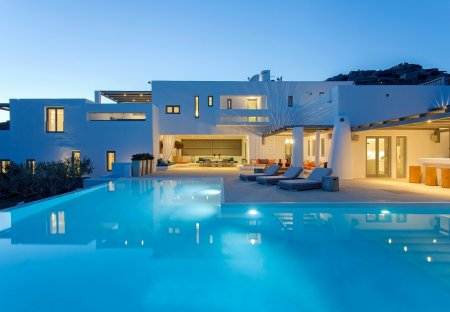 Villa in Kalafatis, Greece