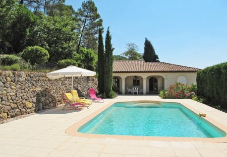 Apartment in Cabasse, the South of France