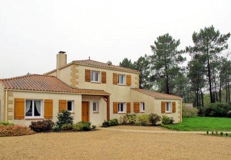 Apartment in Soullans, France