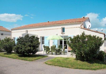 Apartment in Saint-Vincent-sur-Jard, France