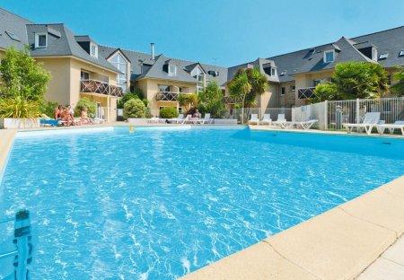 Apartment in Saint-Briac-sur-Mer, France