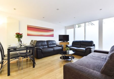 Apartment in Weavers, London
