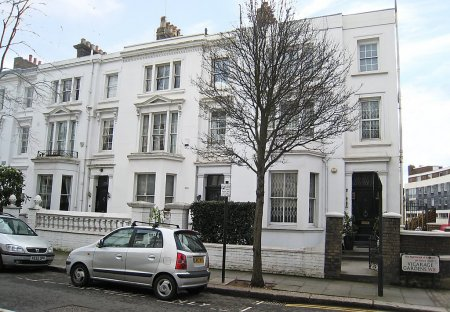 Apartment in Campden, London
