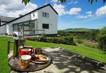House in Bryn-crug/Llanfihangel, Wales