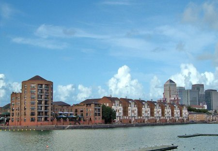 Apartment in Surrey Docks, London
