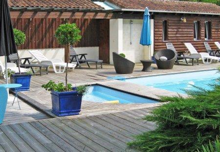House in Saint-Vincent-de-Paul, France