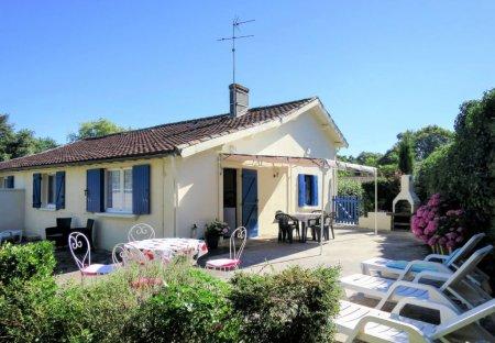 House in Jau-Dignac-et-Loirac, France