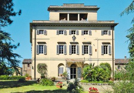 Apartment in Bucine, Italy