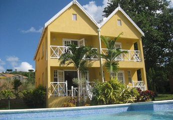 Villa in Barbados, Fitts Village: Over looking the pool with the sea beyond