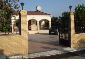 Villa in Puente Genil, Spain