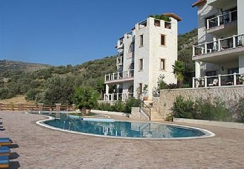 Apartment in Turkey, Ortaalan: 1st floor apartment and pool
