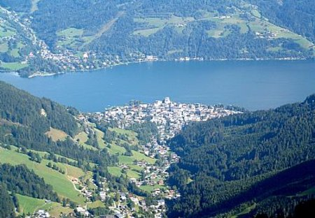 Apartment in Zell am See, Austria: Mountain above the town