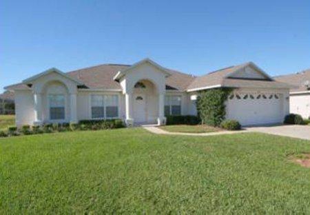Villa in Sunridge Woods, Florida: Front