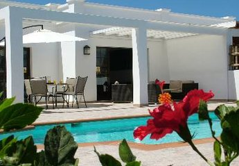 Villa in Costa de Papagayo, Lanzarote: patio