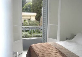Apartment in Liberti-Albert 1er, the South of France: Hugo Park 102 - Bedroom with king size bed