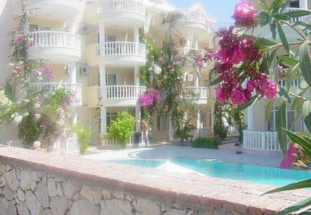 Apartment in Mavisehir, Turkey: Pool