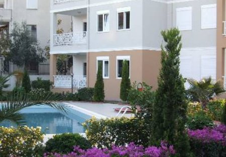 Apartment in Side, Turkey: Step outside to the pool and garden