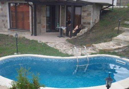 Apartment in Kosharitsa, Bulgaria: private plunge pool beside apartmens patio area