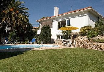 Villa in Galamares, Lisbon Metropolitan Area: Pool area