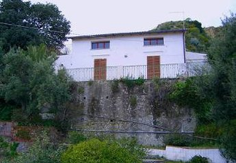 Cottage in Giardini-Naxos, Sicily: outside and garden view