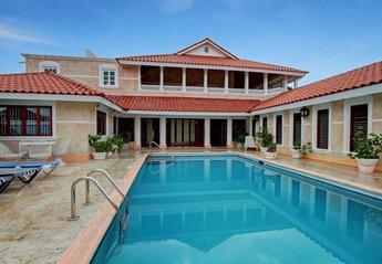 Villa in Ironshore, Jamaica